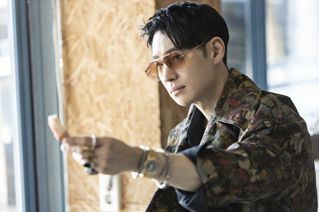 李帝勳在《模範計程車》中展現多樣面貌,演技精湛。圖/friday影音提供
