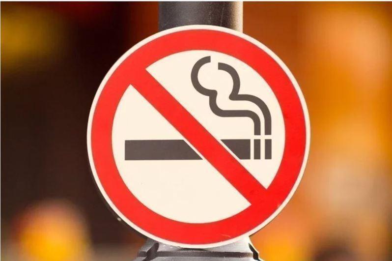 國健署指出,疫情吸菸恐增加染疫風險。示意圖。圖/Ingimage