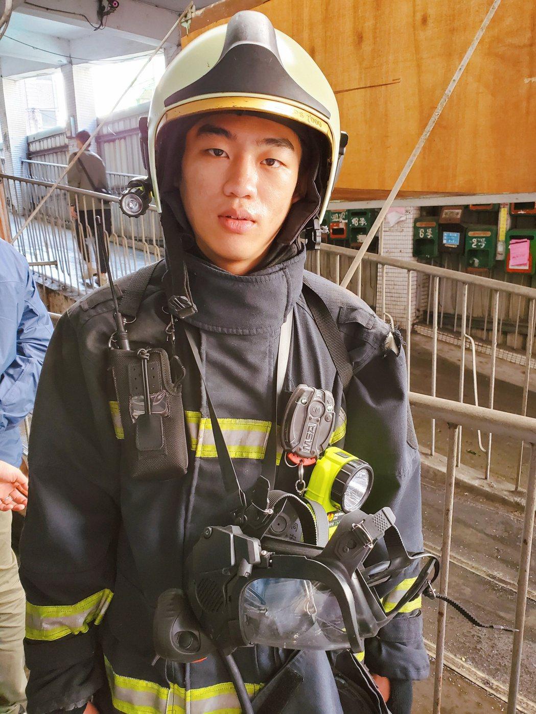 謝章穎在「火神的眼淚」中演消防員。圖/喜鵲娛樂提供