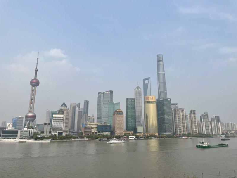 包括上海等大陸主要一、二線城市,去年人均GDP都低於台灣。圖為上海陸家嘴。記者林則宏/攝影