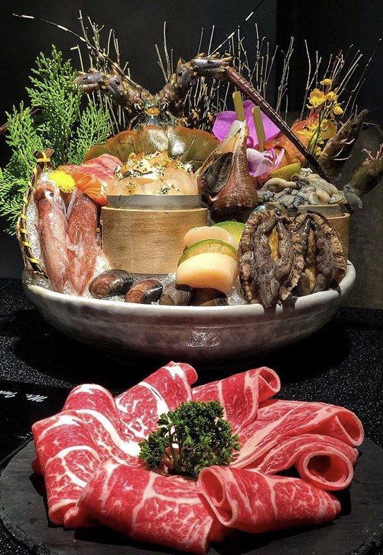 竹苑shabu以活體海鮮、頂級肉品及新鮮菜盤,擄獲不少饕客味蕾。竹苑shabu/...