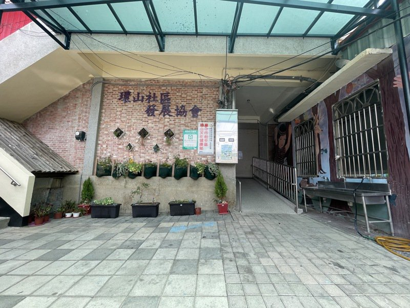 台中市23處文化健康站6月8日前停止長者到站接受服務,也暫時取消送餐服務,僅提供電話問安服務,全面防堵疫情擴散。圖/台中市政府提供