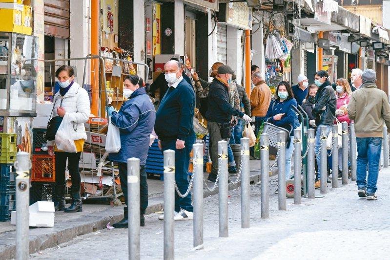 疫情增溫後義大利將防疫提升到國安最高層級,所有重要防疫決策都由總理召開內閣會議後,親自以社群網路直播向全國民眾宣布。歐新社