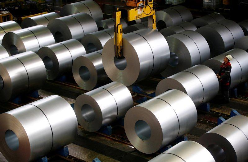 鋼鐵人再度飛翔,上市鋼鐵類股指數大漲逾7%,上櫃鋼鐵指數也漲逾3%。路透
