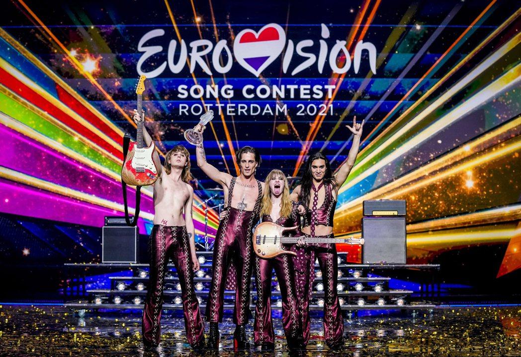 義大利搖滾樂團「天際月光」(Maneskin)22日贏得第65屆歐洲歌唱大賽冠軍