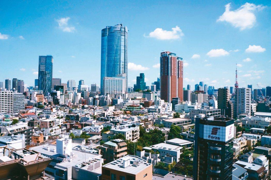 日本皇室住所在東京千代田的皇居,知名貴族學校多,吸引高資產家庭搶進。(本報系資料...