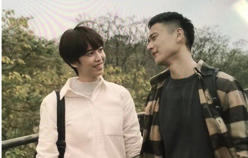 劉冠廷(右)、陳庭妮在「火神的眼淚」中戀愛戲超閃。圖/翻攝Netflix