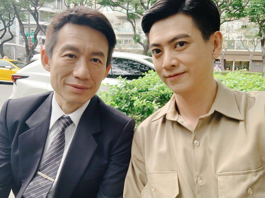 劉奕(右)拍大愛劇場「觀音對我笑」,劇中飾演郭子乾的兒子。圖/民視提供