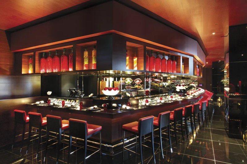 侯布雄法式餐廳是台灣第一家米其林星級法式餐廳。圖/摘自米其林官網