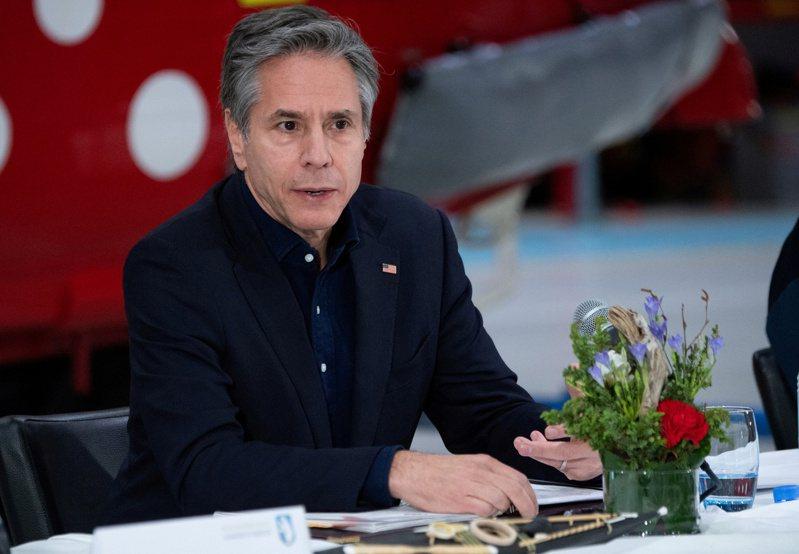 美國國務卿布林肯打算在未來幾天造訪中東,圖為他20日訪問格陵蘭在康克魯斯瓦格機場召開記者會。路透