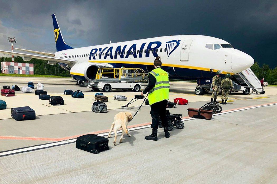愛爾蘭廉航「瑞安航空」(Ryanair)從希臘雅典飛往立陶宛維爾紐斯的FR497...