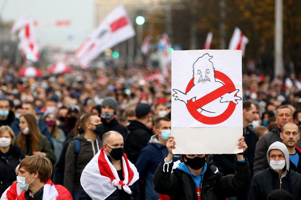 這場延續至今的全國反獨裁抗爭,起火點是2020年8月的總統大選,威權統治連續26...
