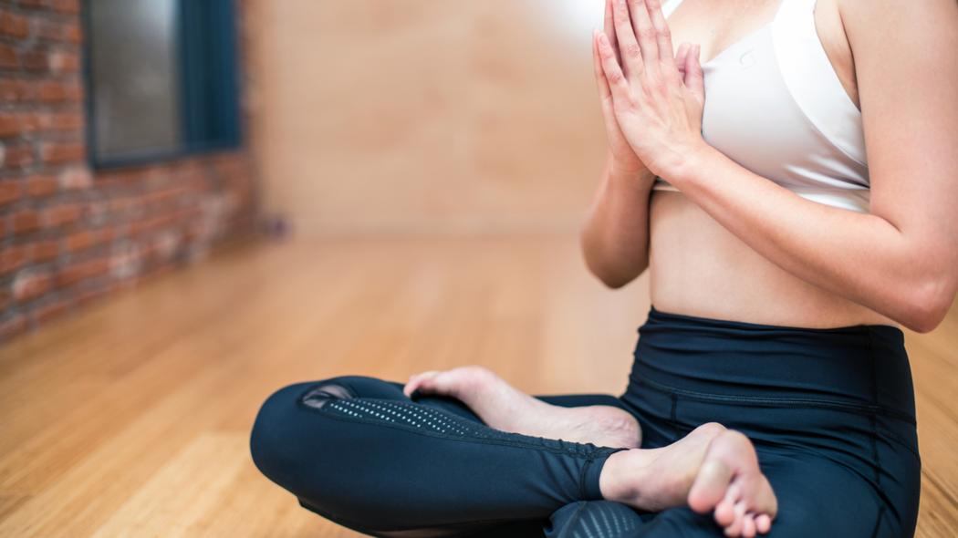 皮拉提斯能強化肌肉群及心肺功能。圖/Canva