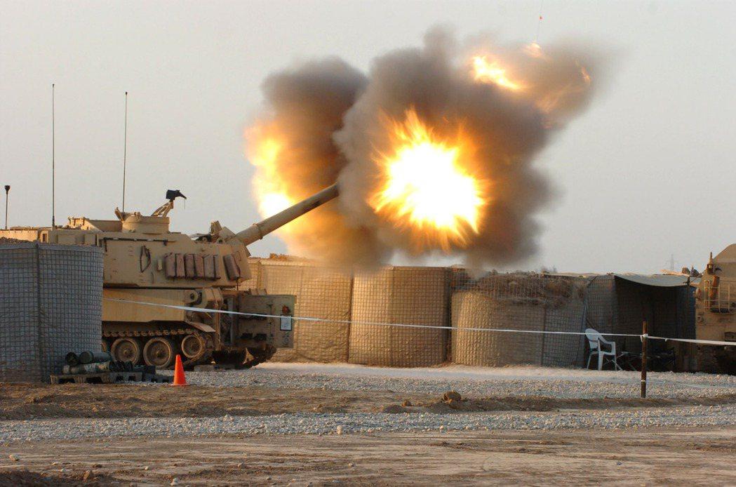 拜登政府上台後批准的第一筆對台軍售,是陸軍的M109A6自走砲。 圖/美國陸軍