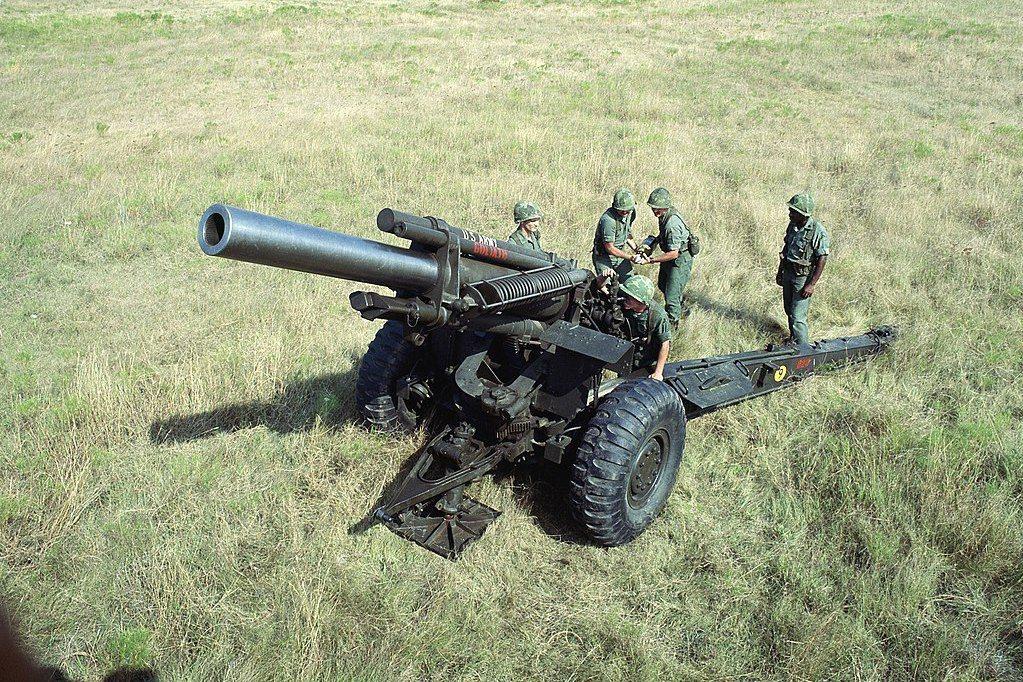 只購入少量的M109A6,並無法汰換大批的M114A1與63甲式榴彈砲,或是提升這批舊型火砲的作戰能力。圖為M114A1榴彈砲。 圖/維基共享