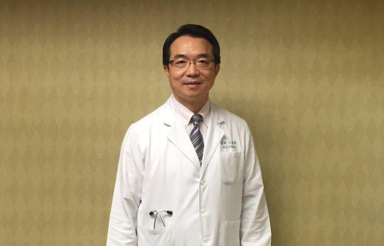 王銘崇醫師說明,治療濾泡性淋巴瘤需要依疾病病程判斷,主治醫師會替病患做整體評估,...