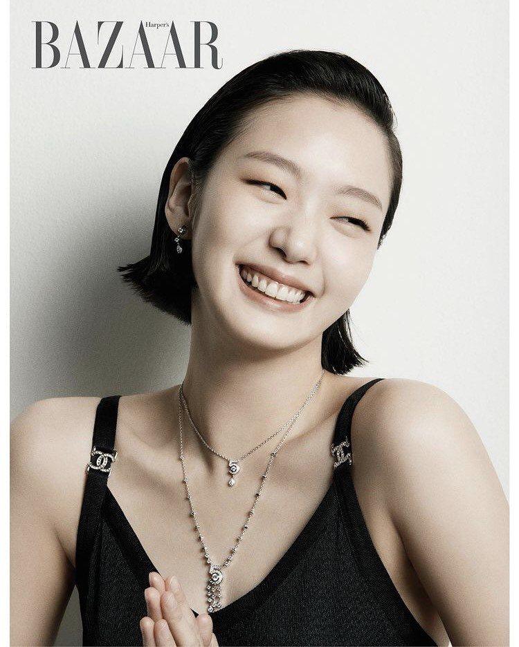 金高銀配戴香奈兒ETERNAL N°5系列珠寶登上韓國時尚雜誌。圖/取自金高銀IG @ggonekim