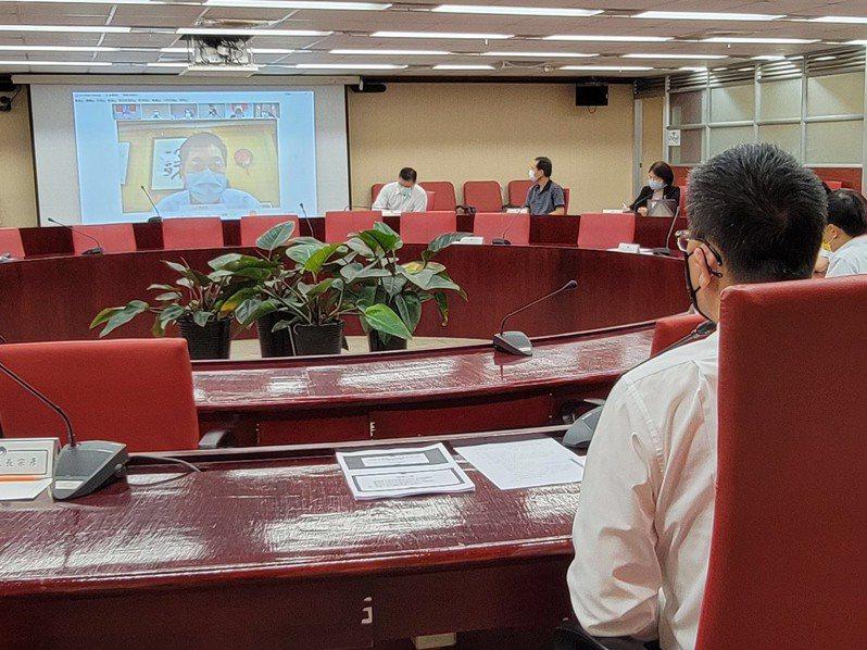 內政部長徐國勇今下午召開防疫視訊會議。圖/內政部提供