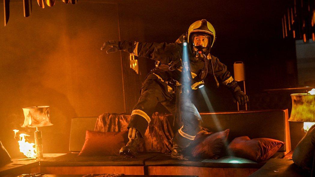 劉冠廷拍攝火場戲,感受到劇組專業及用心,內心很感動。圖/公視、myVideo提供
