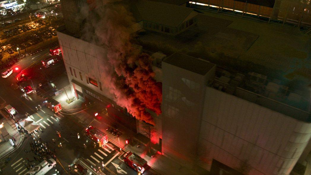 劇中斥資750萬打造火警。圖/公視、myVideo提供