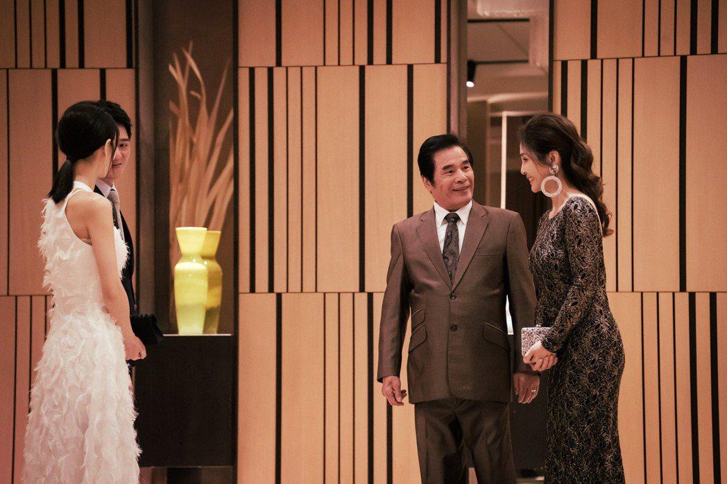 雷洪、梁佑南在「日蝕遊戲」中飾演夫妻。圖/民視提供