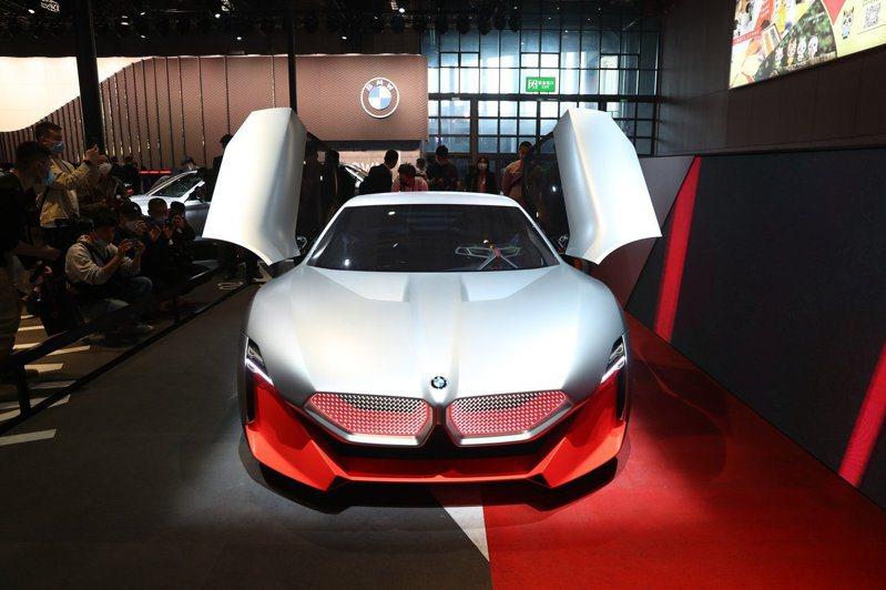 BMW純電概念車 今年4月第十九屆上海國際汽車工業展覽會上,BMW(寶馬)純電概念車亮相。(中新社)