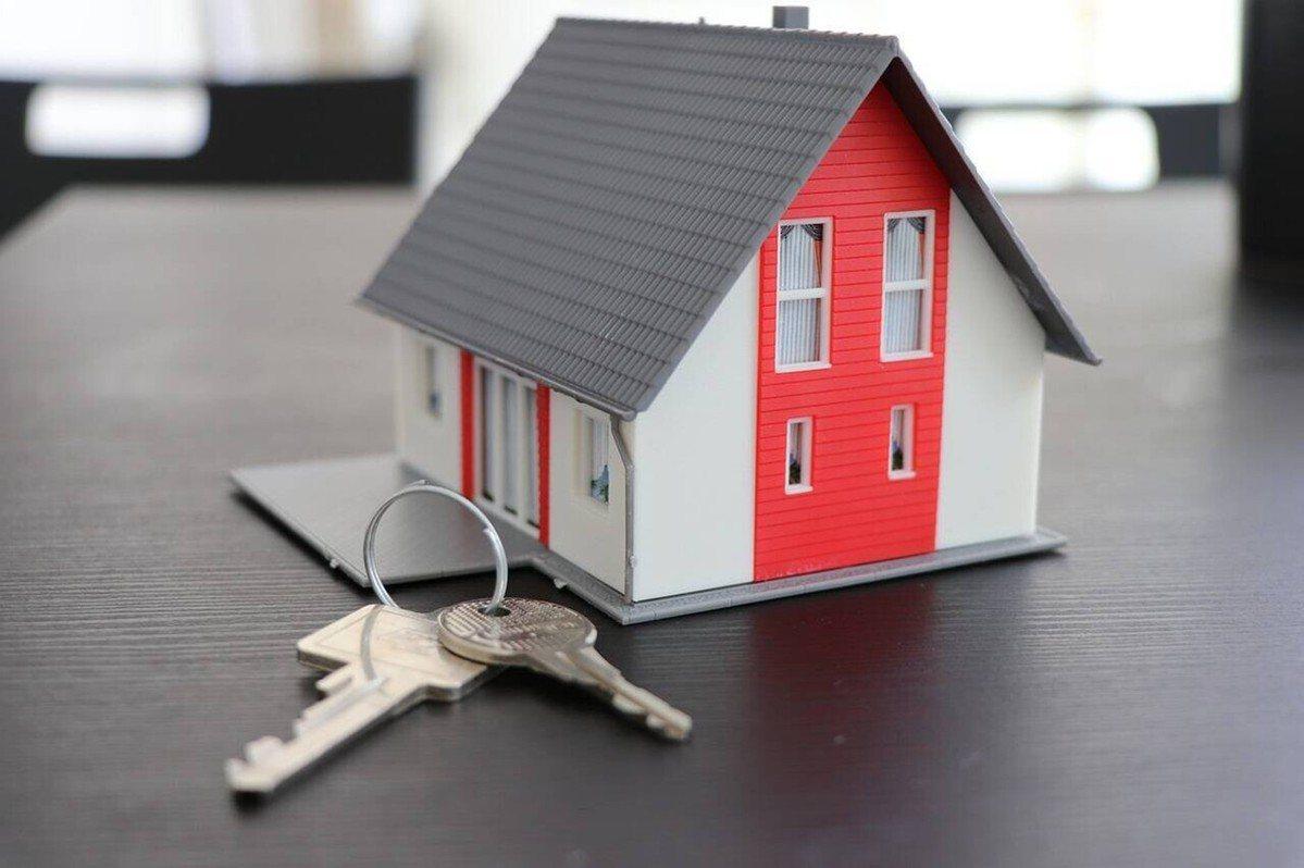 ▲驗屋完成後,買賣雙方點交文件、交出鑰匙交屋點交。 (圖片來源:pixabay)...
