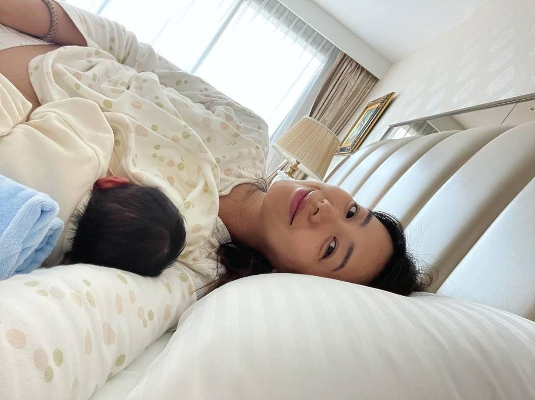 林可彤剛生完第二胎。 圖/擷自林可彤臉書