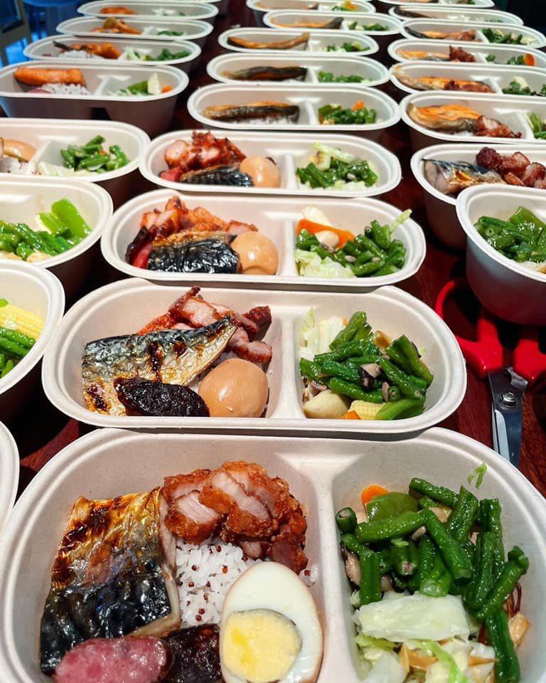 楊祐寧家中經營的餐廳,決定每日送50個便當給第一線醫護人員。 圖/擷自元鍋臉書