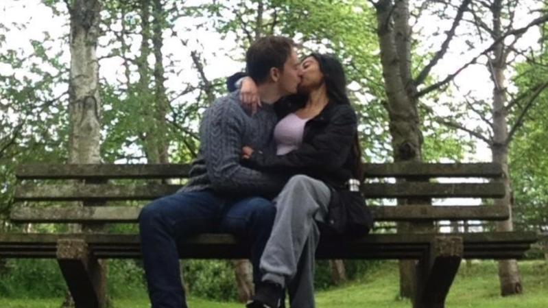 一段不到15分鐘的youtube影片讓素昧平生的異國男女相戀。圖/取自bbc