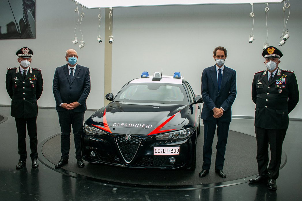 上週在義大利Alfa Romeo都靈總部舉行了盛大的交車儀式。 摘自Alfa R...