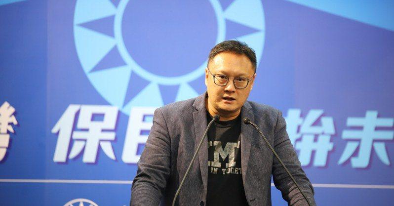 國民黨文傳會副主委鄭照新。圖/取自鄭照新臉書