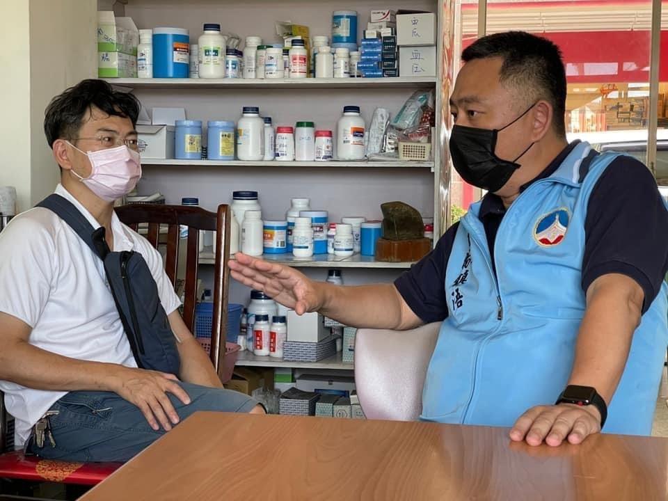 金門縣長楊鎮浯造訪醫師公會,尋求其對相關政策的支持。圖/縣府提供