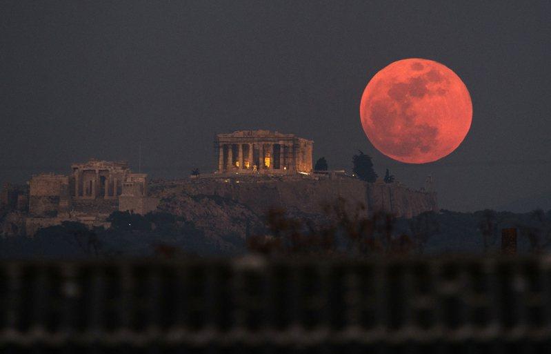 超級血月將於26日登場,NASA曝最佳觀賞地點。美聯社