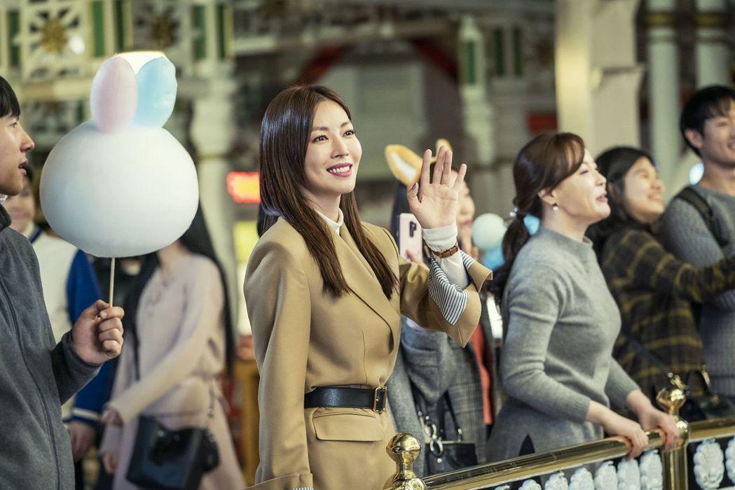 金素妍在「世上最漂亮的女兒」以演技精湛拿下KBS演技大賞獎項。圖/中天娛樂台提供