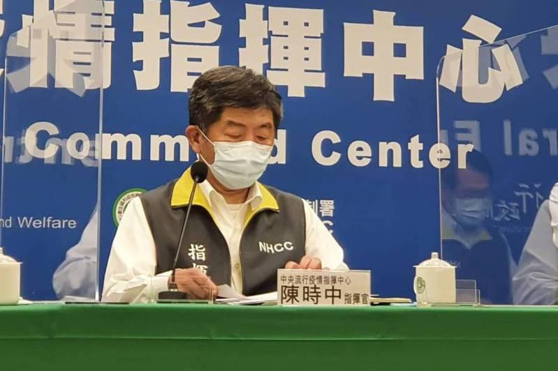 指揮中心指揮官陳時中今天則表示,大部分知名廠牌都是二期完才做三期,但都沒有做完三期臨床試驗才緊急授權。記者楊雅棠/攝影