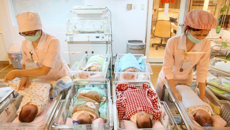 台灣婦產科醫學會理事長黃閔照坦言,如果婦產科醫護染疫,影響的不只是醫院,還有許多不能延後、等待生產的孕婦與新生兒。圖為示意圖。圖/聯合報系資料照片