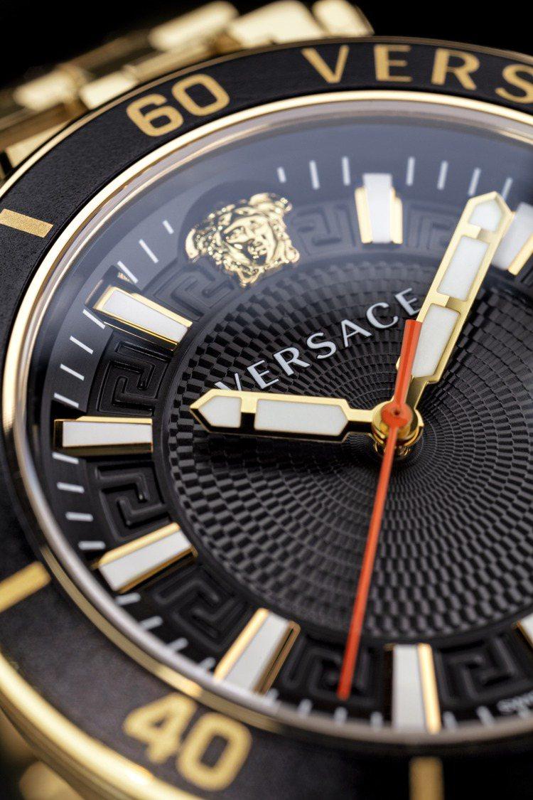 VERSACE Greca Sport系列腕表,時標之間鐫刻招牌的希臘回紋, 表...