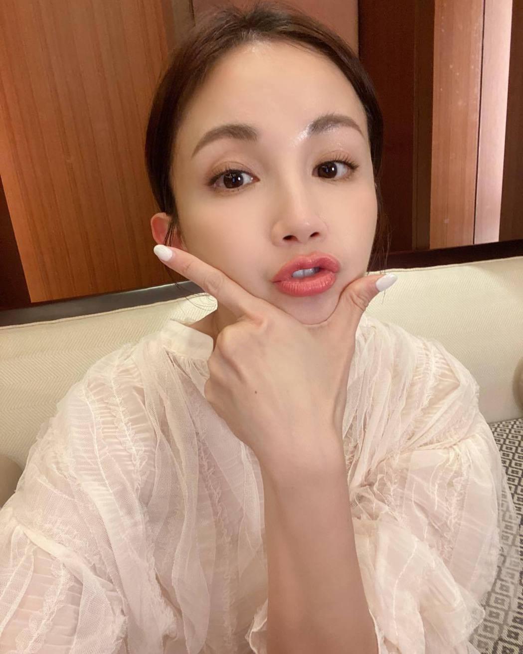 鍾欣怡育有一對兒女,相當活潑可愛。圖/摘自臉書