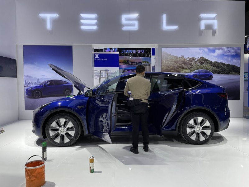 特斯拉宣布,所有在大陸市場銷售車輛所產生的數據,都將存儲在中國境內。圖為特斯拉今年4月參加第8屆中國(上海)國際技術進出口交易會。記者林則宏/攝影