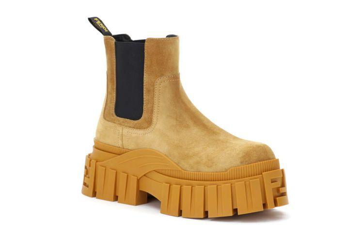 FENDI棕色靴款,37,500元。圖/FENDI提供