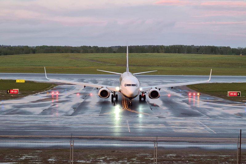 被白俄羅斯戰機攔截迫降明斯克的瑞安航空客機,23日飛抵原定目的地立陶宛首都維爾紐斯。路透