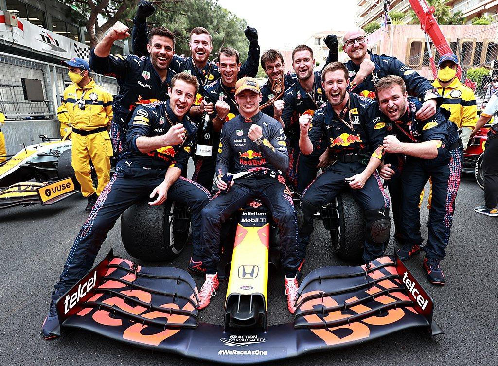 這場勝利讓Max Verstappen在車手冠軍排名獲得105分,比Lewis ...