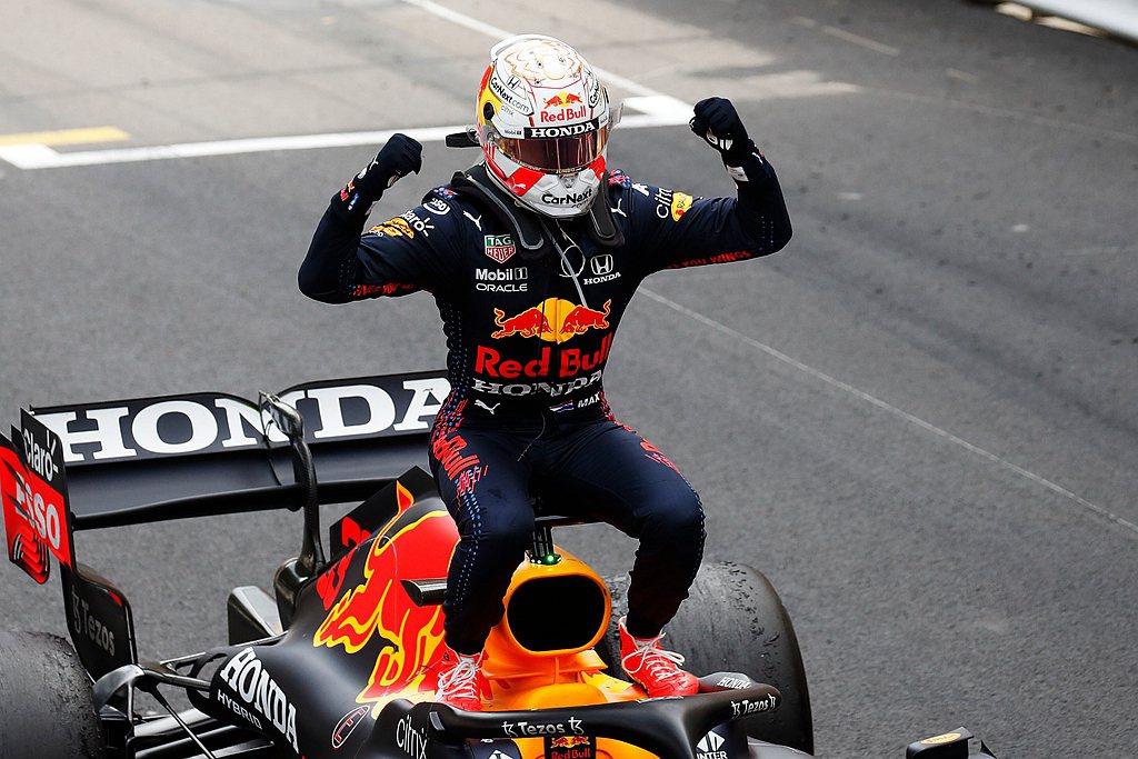 Max Verstappen表示:「我非常高興能贏得摩納哥大獎賽。這是一條相當棘...