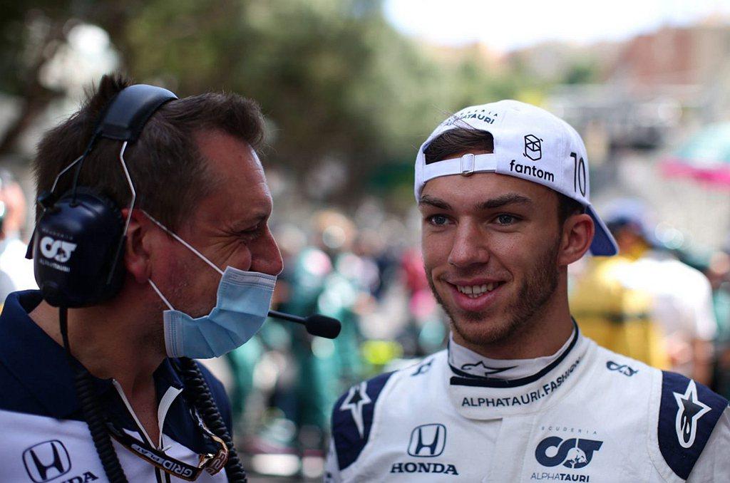 Pierre Gasly表示:「這是一場漫長的比賽,能夠超越Lewis並不容易,...