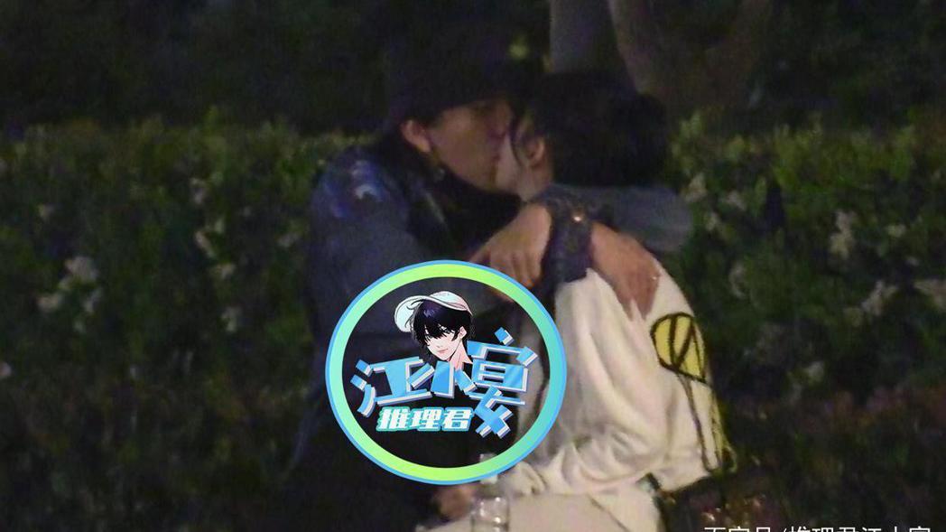 王大陸、蔡卓宜被陸媒八卦媒體拍到兩人在上海街頭擁吻。圖/摘自百家號