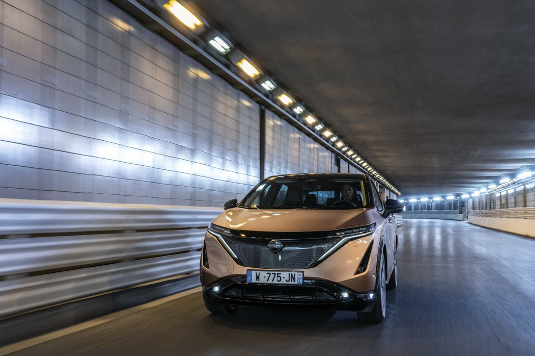 Nissan Ariya於摩納哥著名的隧道奔馳。 摘自Nissan