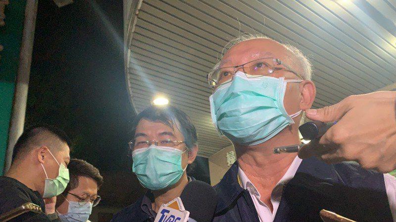 高雄市衛生局長黃志中說,登革熱病媒蚊可飛行300公尺,但日本腦炎病媒蚊則可飛行5公里,因此必須擴大範圍且長期防治。本報資料照片