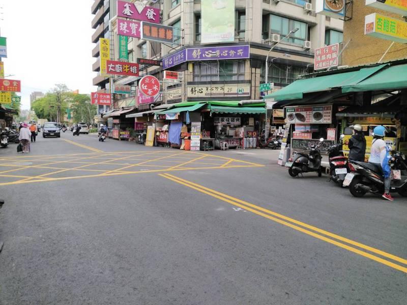 服務業蕭條,高雄市不少商圈街道冷清。圖/本報資料照片