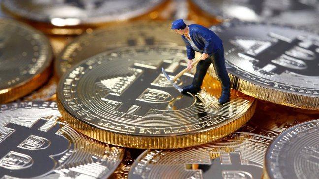加密貨幣市價格變化大,一旦價格重挫時也勢必造成挖礦熱潮退去。 路透